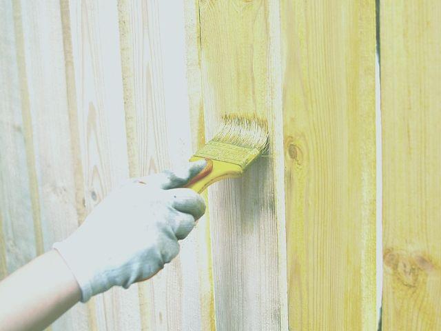 大工さんの意見で取り入れた木製フェンス