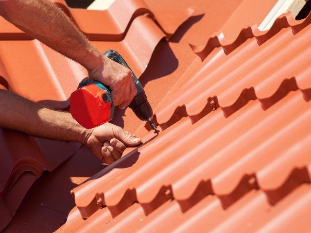 屋根の素材は重要