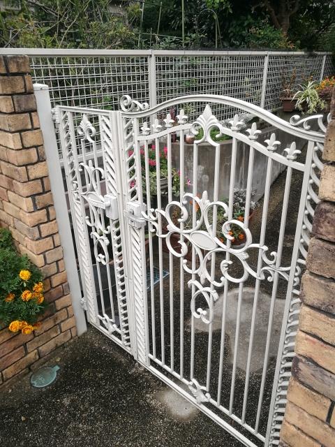 庭にゲートをつける
