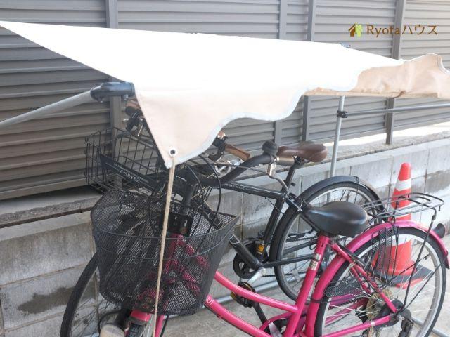 簡易的な自転車置き場